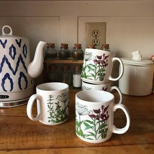 Vintage Wildflower Mug Set